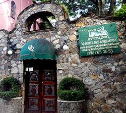 lawrence-quinta-quetzacoatl-chapala