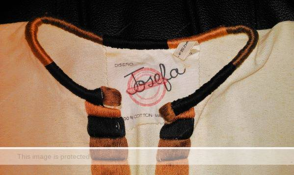 Label in Josefa blouse